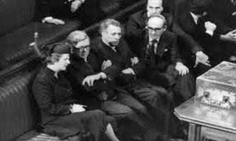 Margaret Thatcher en el parlamento británico en 1981
