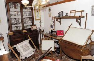 Herramientas para el taller doméstico de bordado.