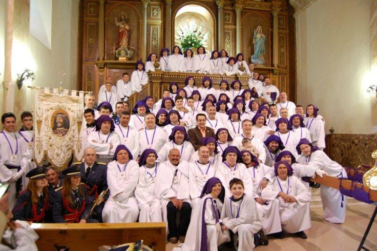 Cofradía del Cristo de Medinaceli al completo. Semana Santa de Villarrobledo