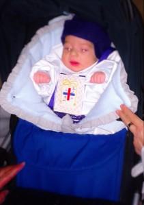Bebé vestido de nazareno. Semana santa de Villarrobledo
